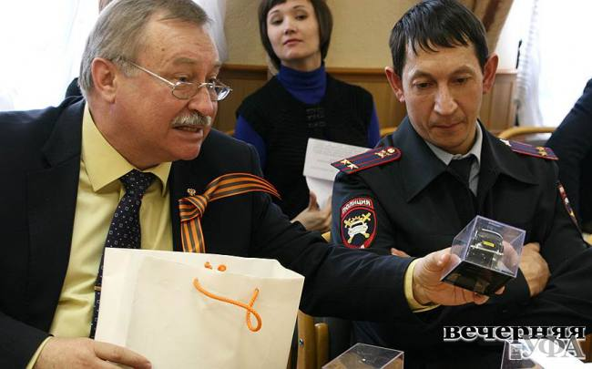 Зеленые огоньки Александра Клюева