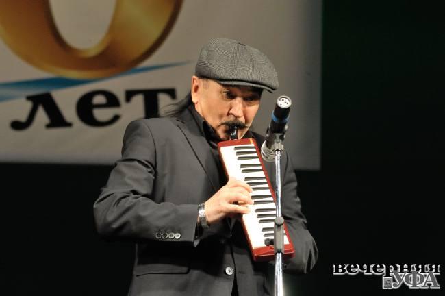 Шестьдесят четыре оттенка радужного в судьбе музыканта Гали Алтынбаева